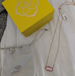 NWT Kendra Scott Delaney Necklace in Rose Gold